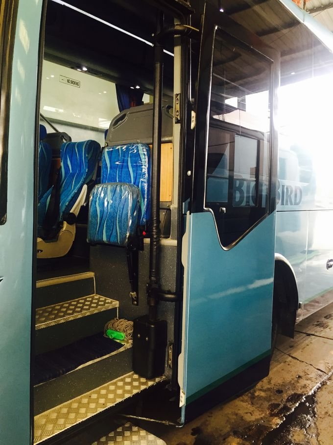 Lifting Lock Pneumatic Bus Door Mechanism , Volvo Bus Door Opening Mechanism